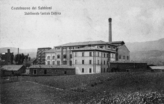 La Fame di energia. Una centrale elettrica a Castelnuovo dei Sabbioni.