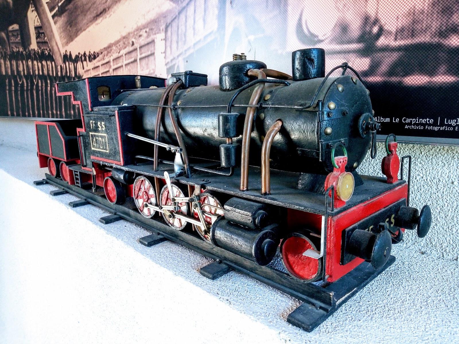 modellino di treno