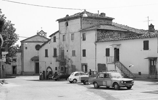 Massa dei Sabbioni. Storia di un borgo, storia di un'antica fattoria.